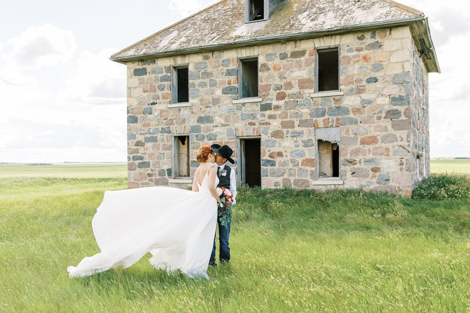 BEAUTI photography Tribune Saskatchewan portrait wedding photographer wedding portraits