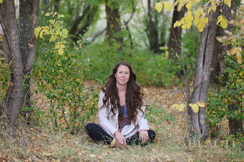Weyburn SK portrait photographer, Weyburn graduation portraits, Saskatchewan portrait photographer, outdoor fall portraits, senior photos, Weyburn graduate, Weyburn SK casual grad photos, beautiful fall scenery