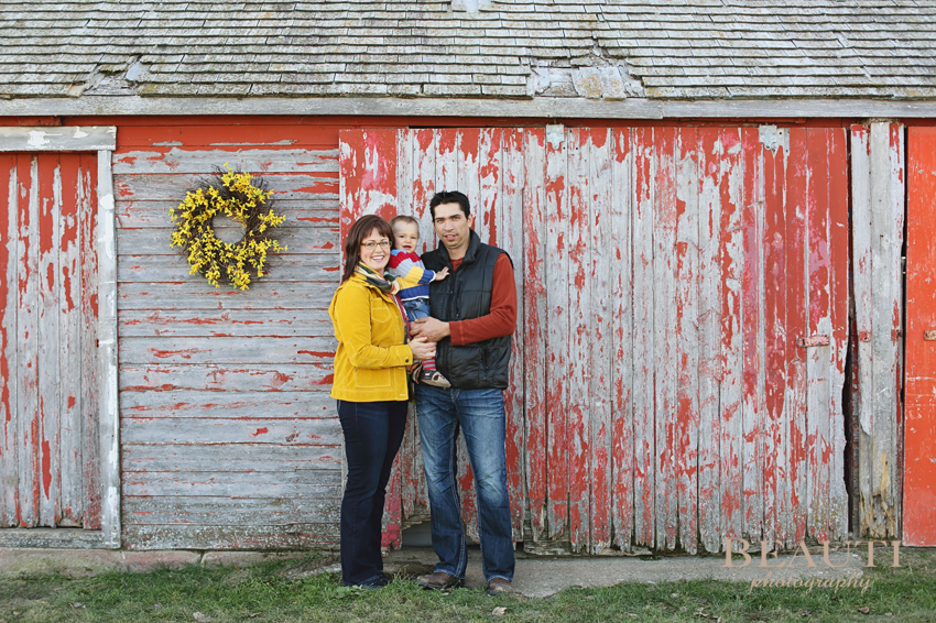 Tribune-Saskatchewan-family-lifestyle-photographer-family-portrait-photography-fall-colors-photo