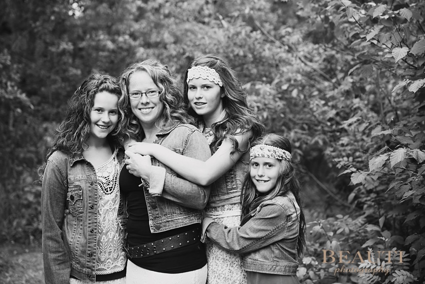 lifestyle portrait photography Beaumont Alberta travel portrait photographer mother and daughters photo