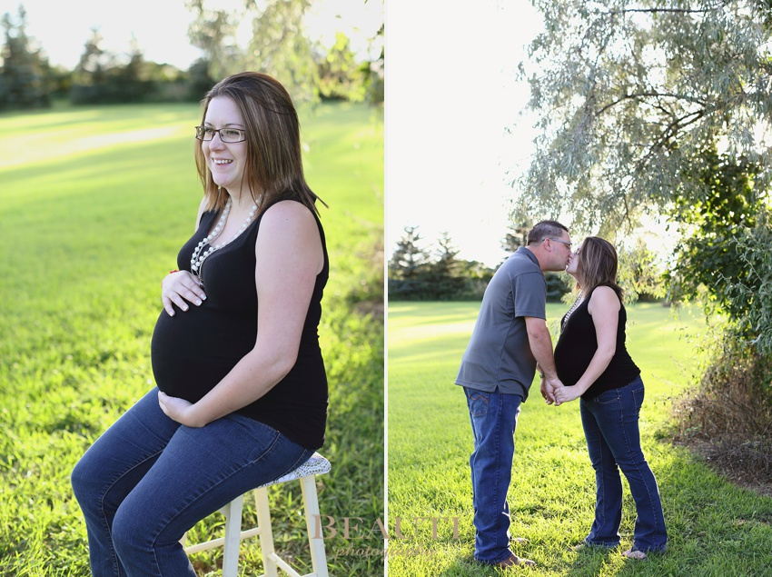 Tribune SK portrait lifestyle photographer Bromhead farm maternity portrait photography couple kissing photo