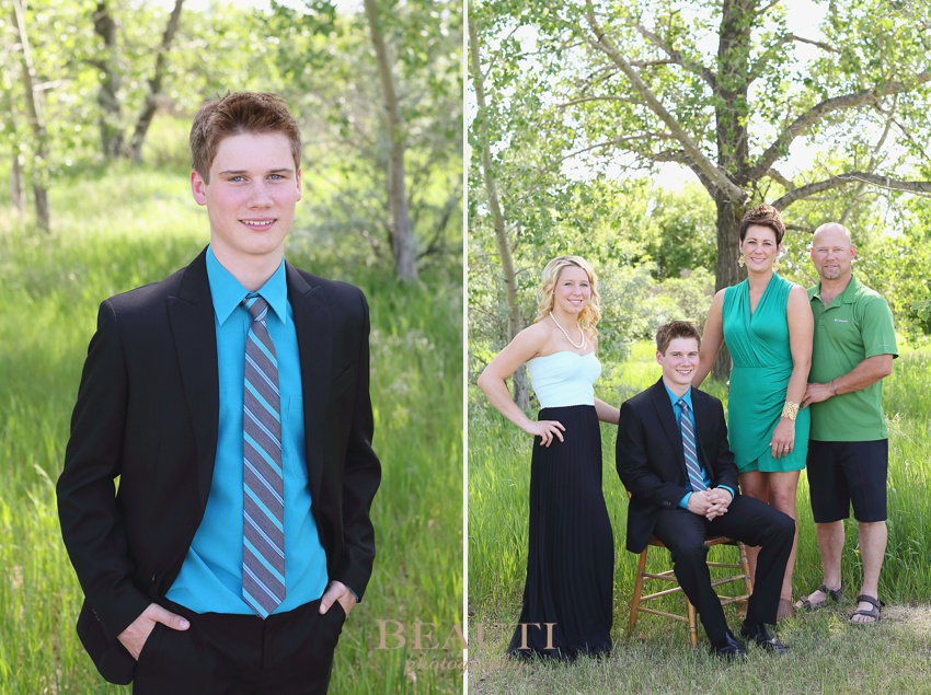 Weyburn Saskatchewan lifestyle photographer Tribune portrait photographer WCS Grad 2015 graduation portraits outdoor grad photos family portrait graduation 2015 photo