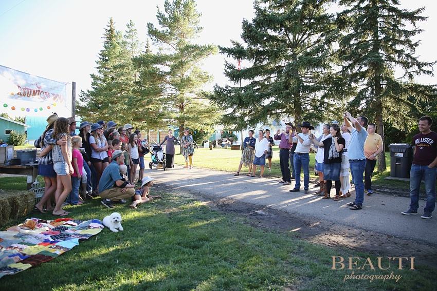 BEAUTI photography Saskatchewan lifestyle portrait photographer summer family reunion happy memories fun weekend photo