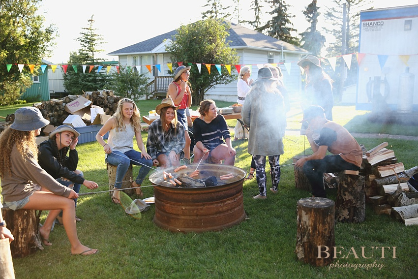 BEAUTI photography Saskatchewan lifestyle portrait photographer summer family reunion happy memories fun weekend bonfire photo