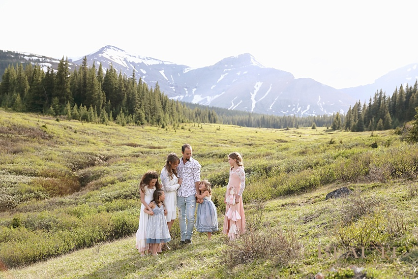 Cadomin family photo session BEAUTI photography Alberta family lifestyle photographer Jasper National Park Rocky Mountains family photo