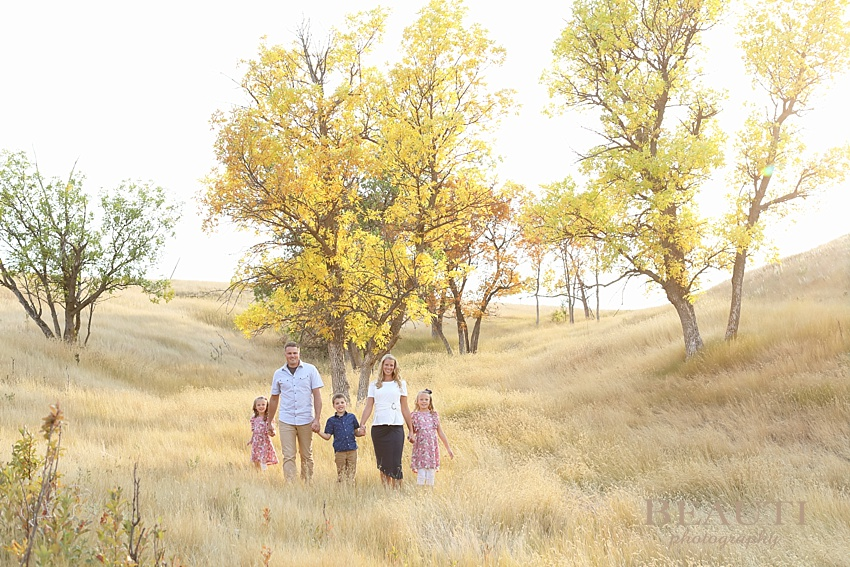 Plentywood family photography outdoor family lifestyle photographer Plentywood Montana fall photo shoot photo