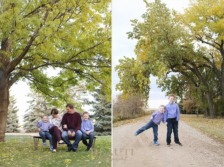 BEAUTI photography Tribune family photography outdoor lifestyle photography farm family brothers photo