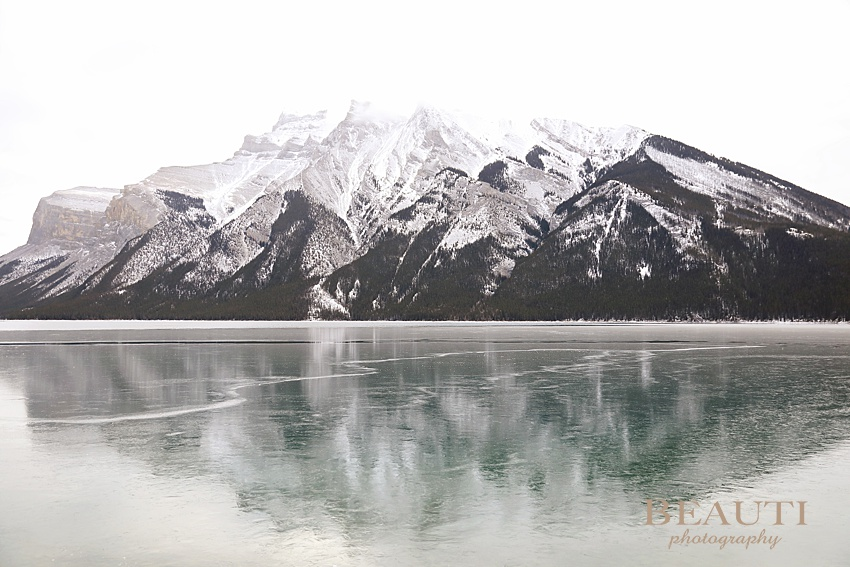 BEAUTI photography travel photographer happy 2019 new year Banff national park Lake Minnewanka reflection photo