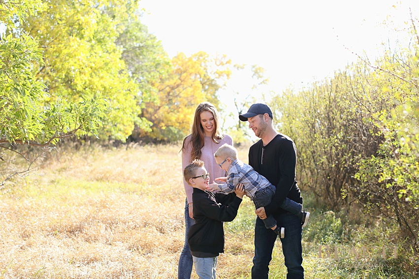 BEAUTI photography Weyburn family photography outdoor fall lifestyle family session portrait photographer photo